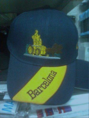 Gorra con Barcelona y La Cibeles